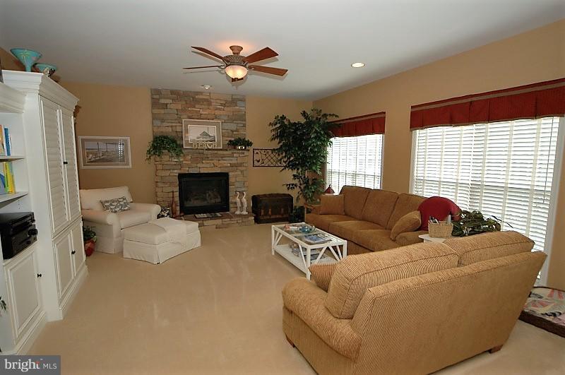 Family Room - 14865 TIMOR CT, HAYMARKET