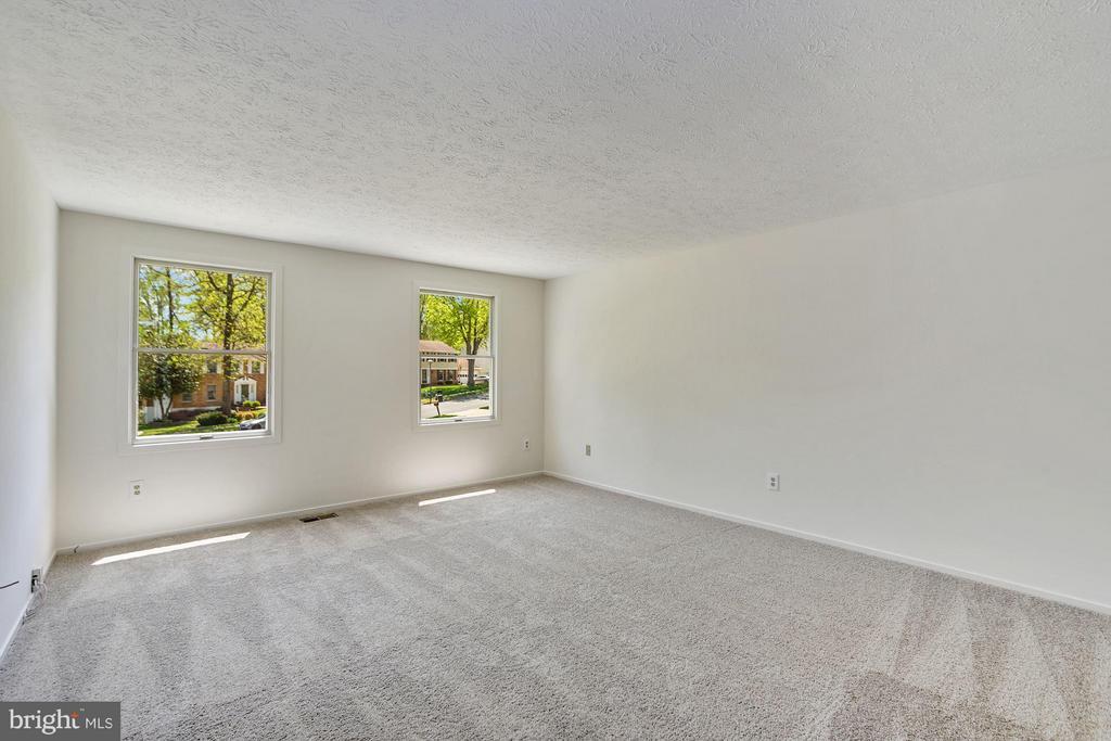 Bedroom (Master), new carpet - 6247 GARRETSON ST, BURKE