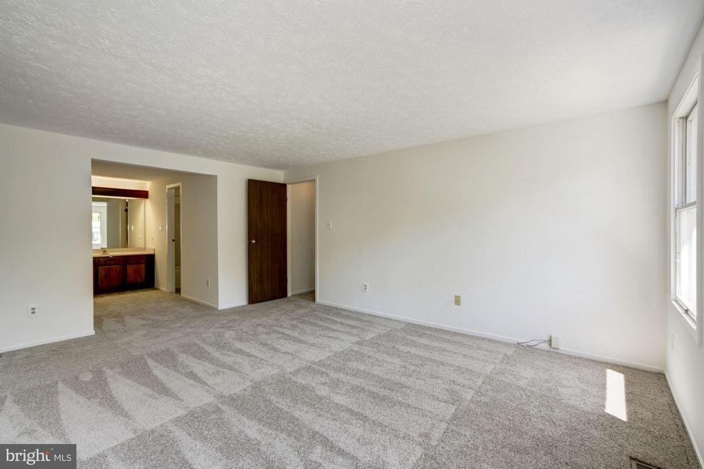 Bedroom (Master) - 6247 GARRETSON ST, BURKE