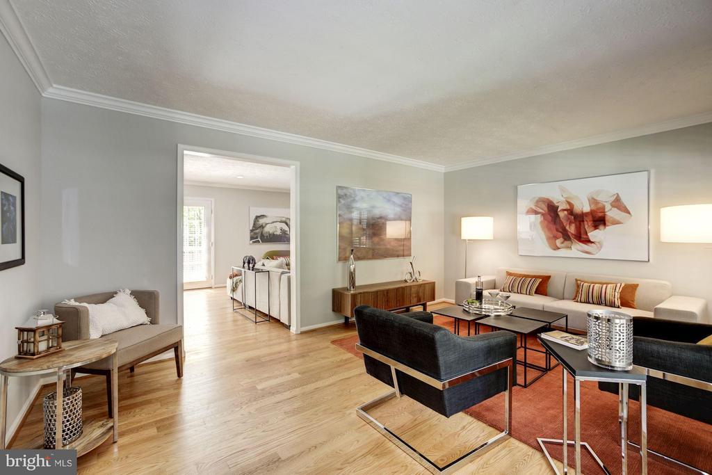 Living Room - 1329 QUAIL RIDGE DR, RESTON