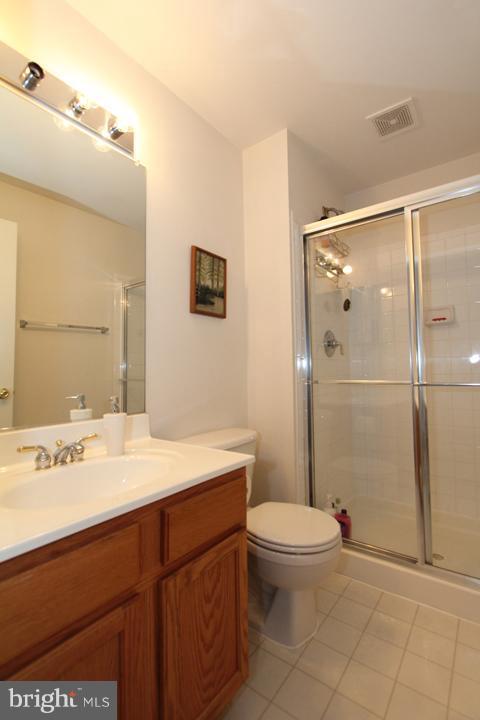 Lower Level Full Bathroom - 402 HANRAHAN CT SE, LEESBURG