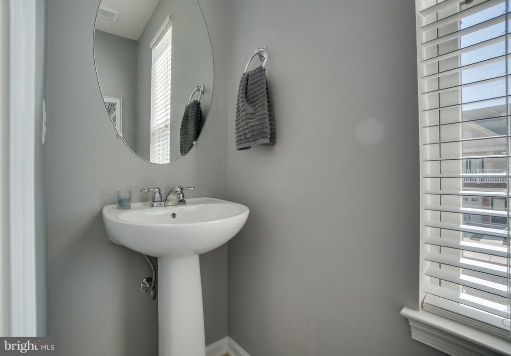 Bath - 117 DANDRIDGE CT #48, STAFFORD