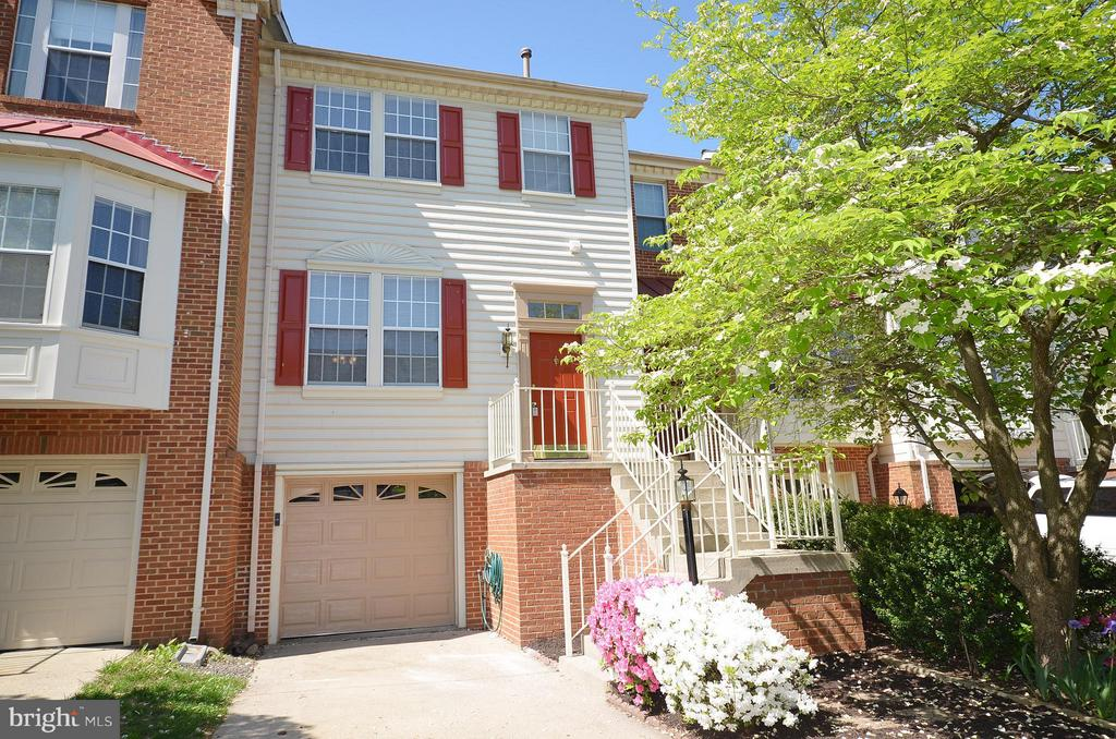 Lovely Townhome in Centreville - 14091 WINDING RIDGE LN, CENTREVILLE