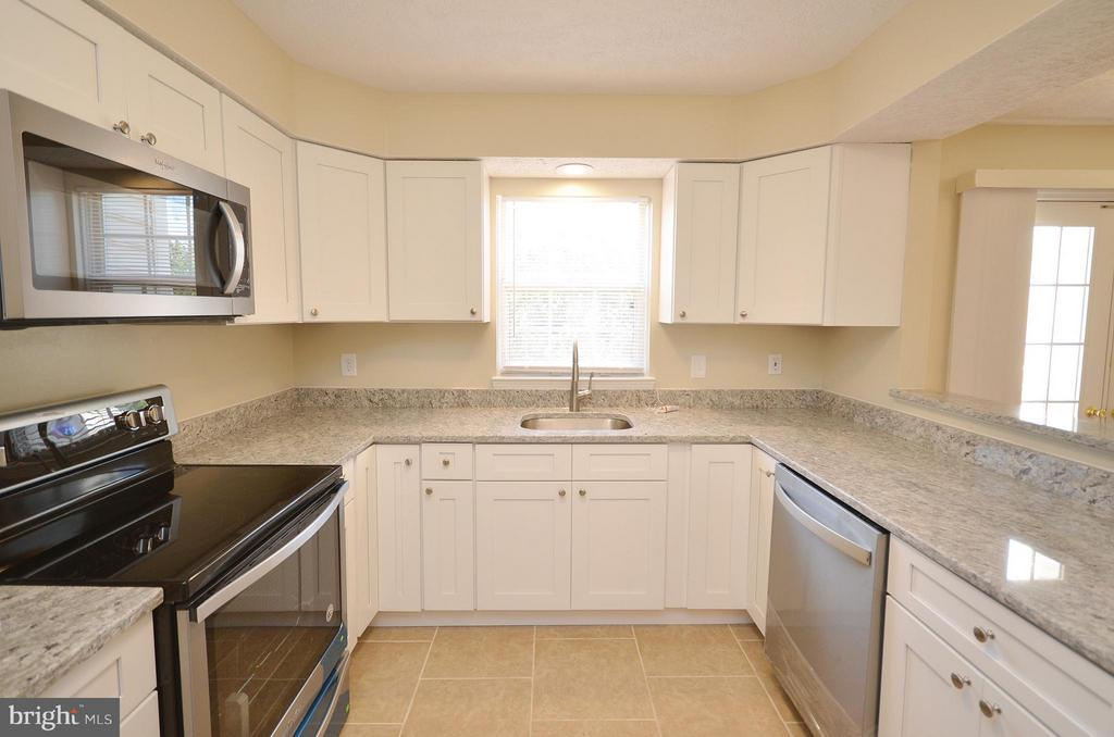 New Cabinets - 14091 WINDING RIDGE LN, CENTREVILLE