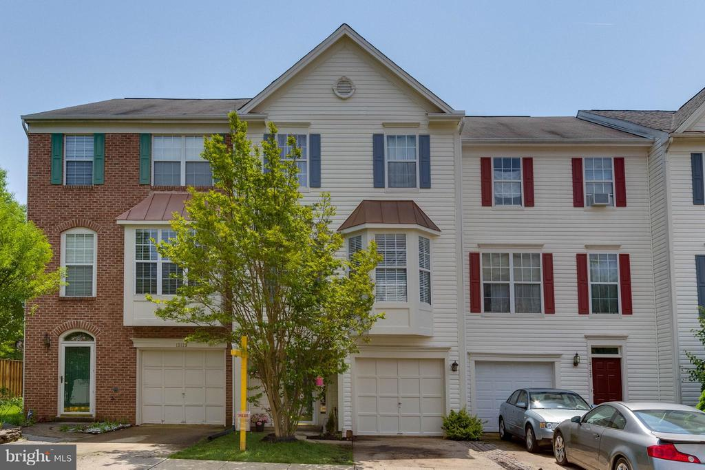 3 Lvl Townhouse with Brand New Roof - 13131 COPPER BROOK WAY, HERNDON