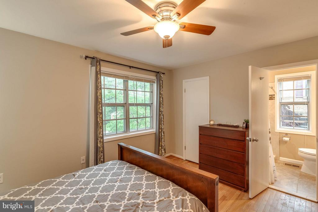 Bedroom (Master) - 9820 LAKEPOINTE DR, BURKE