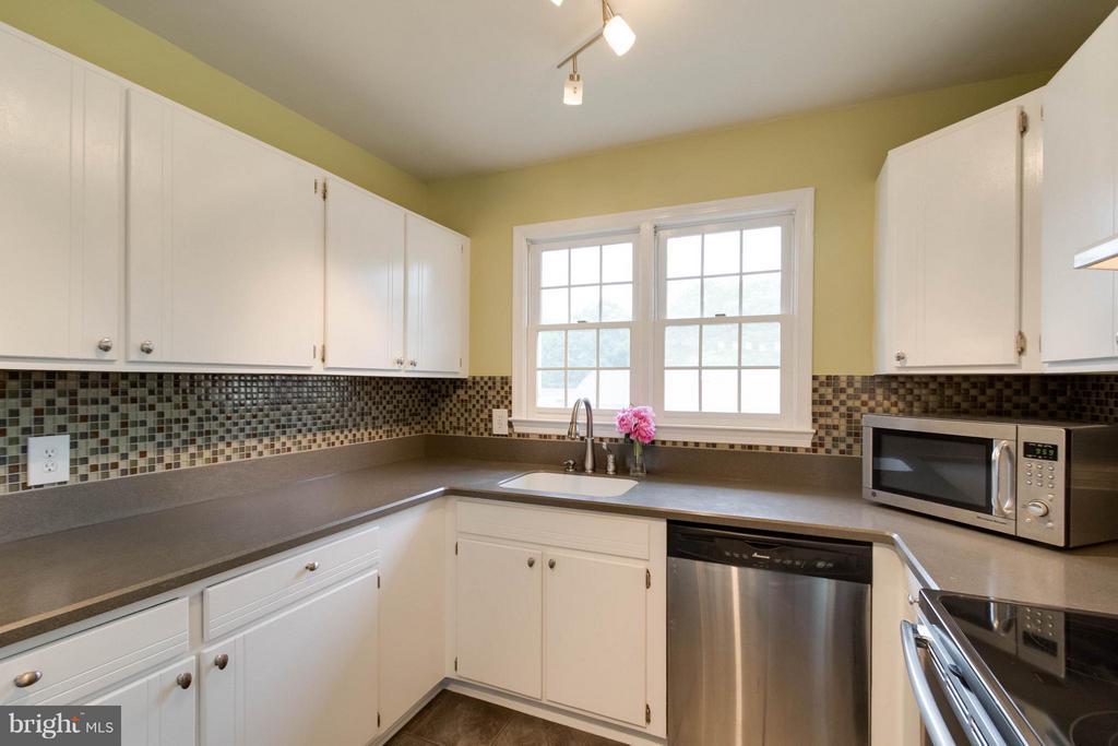 Kitchen - 12699 GREENHALL DR, WOODBRIDGE