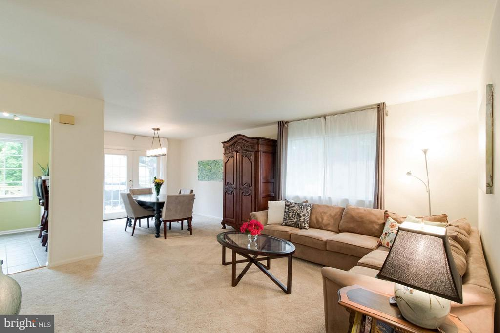 Living Room - 12699 GREENHALL DR, WOODBRIDGE