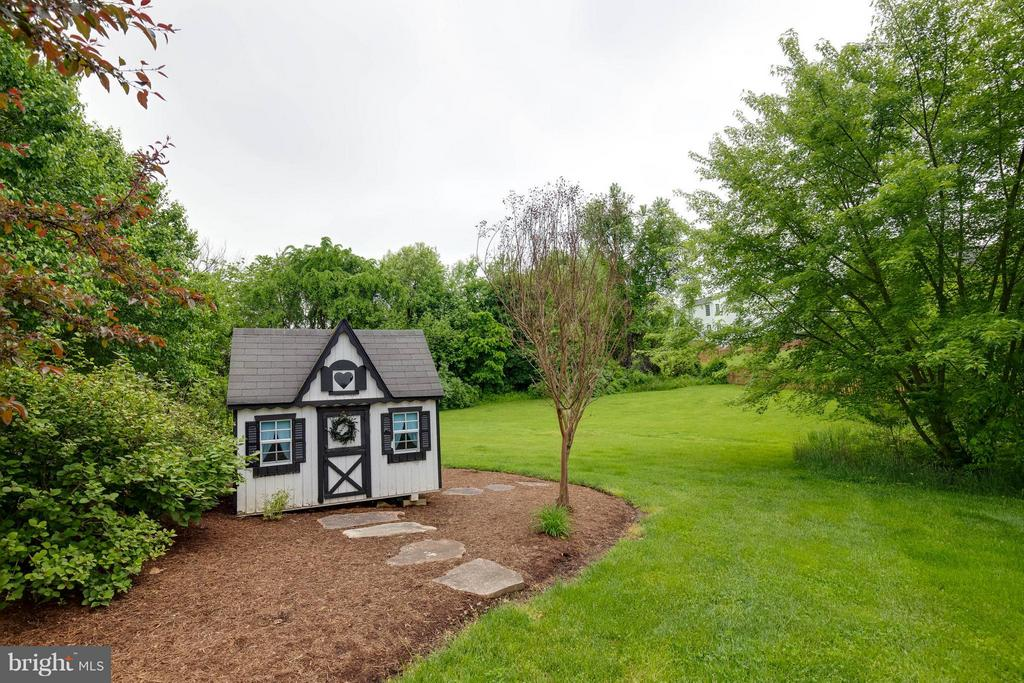 Playhouse - 524 RUGBY CT, PURCELLVILLE