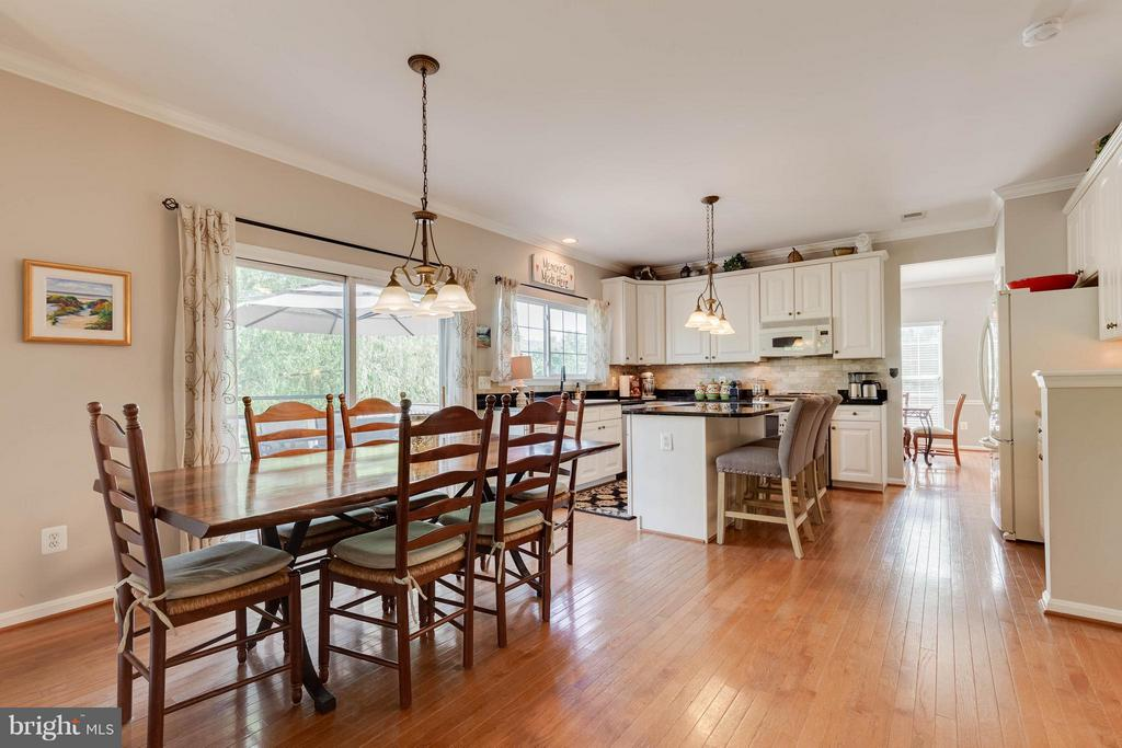 Breakfast Nook - 524 RUGBY CT, PURCELLVILLE