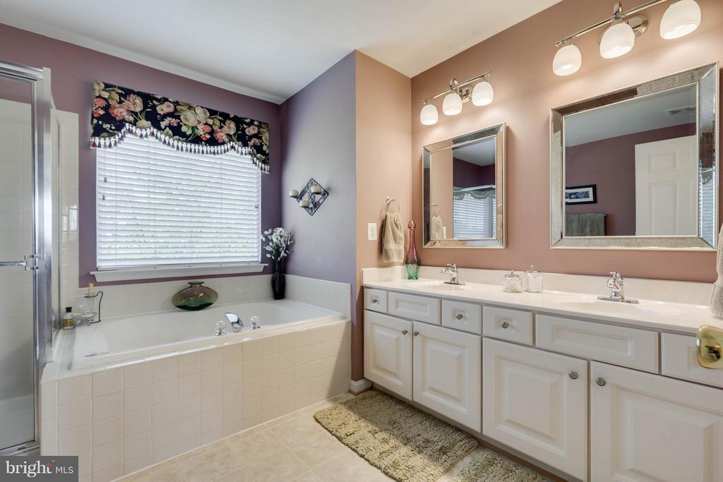 Master Bath - 524 RUGBY CT, PURCELLVILLE