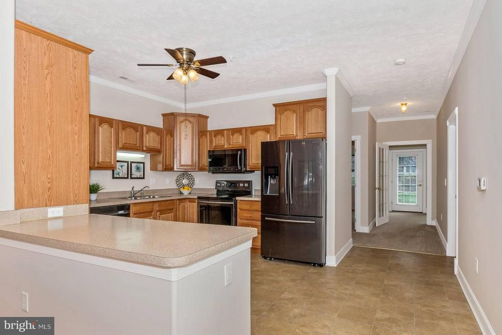 Tons of counterspace! - 13075 LITTLE HAYDEN CIR, HAGERSTOWN