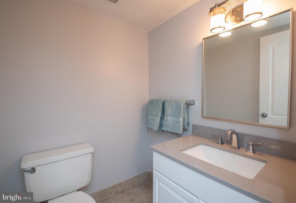 Bath (Master) - 3360 WOODBURN RD #23, ANNANDALE