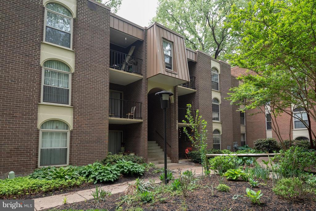Exterior (Front) - 3360 WOODBURN RD #23, ANNANDALE