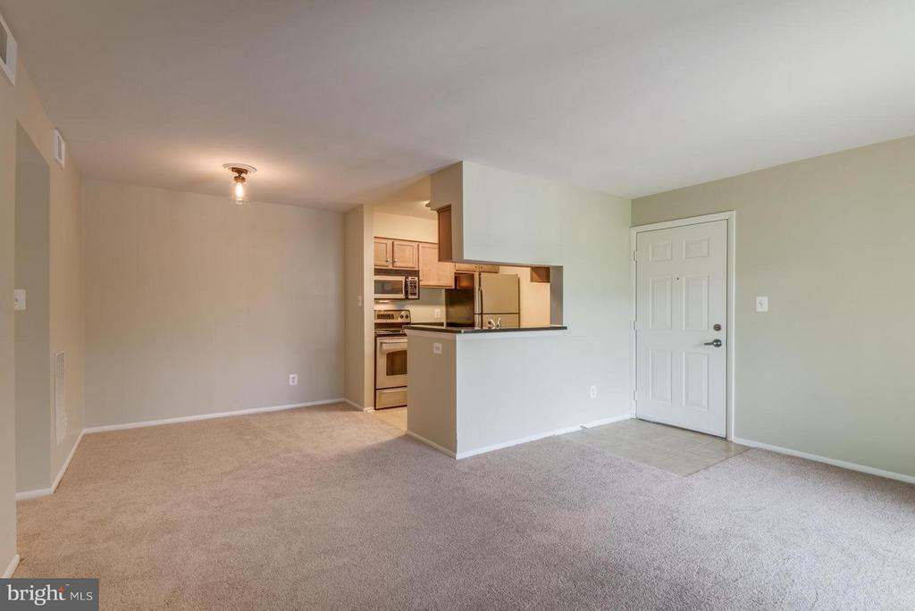 Living Room - 1732 ASCOT WAY #E, RESTON