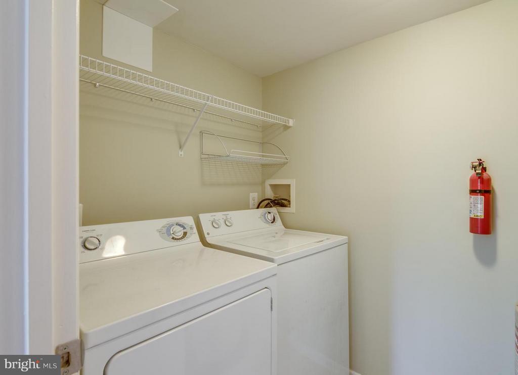 Laundry - 1732 ASCOT WAY #E, RESTON
