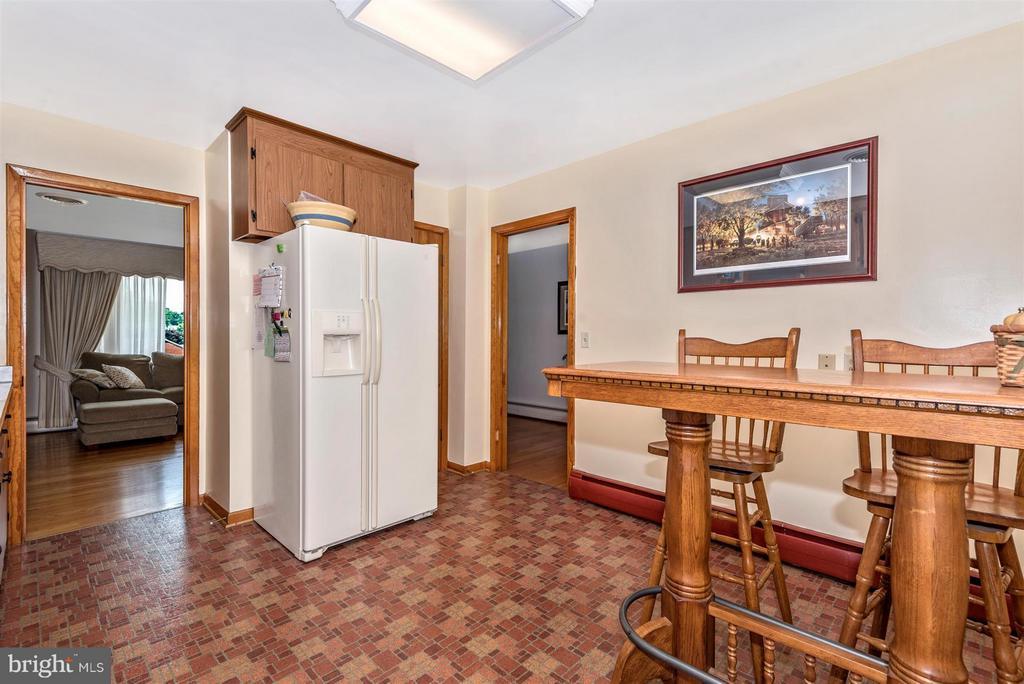 Kitchen - 6105 PEMBROOK ST, FREDERICK