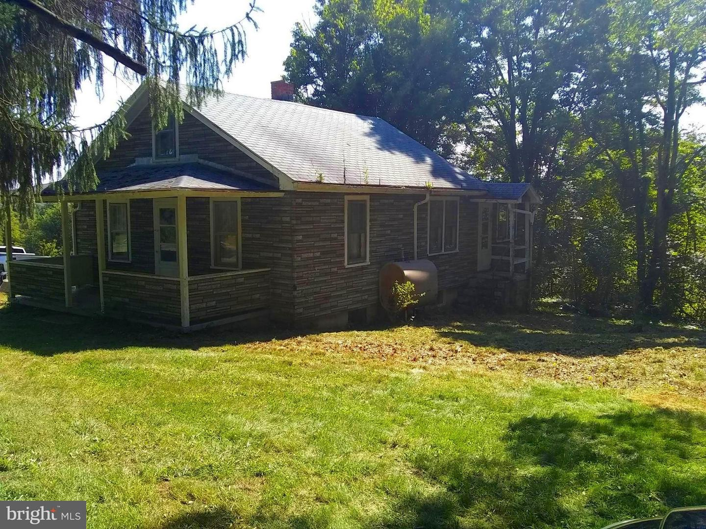 Single Family for Sale at 13104 Jersey Mountain Road Levels, West Virginia 25431 United States