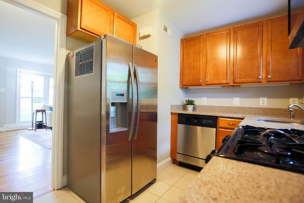 Kitchen - 6721 SWARTHMORE DR, ALEXANDRIA