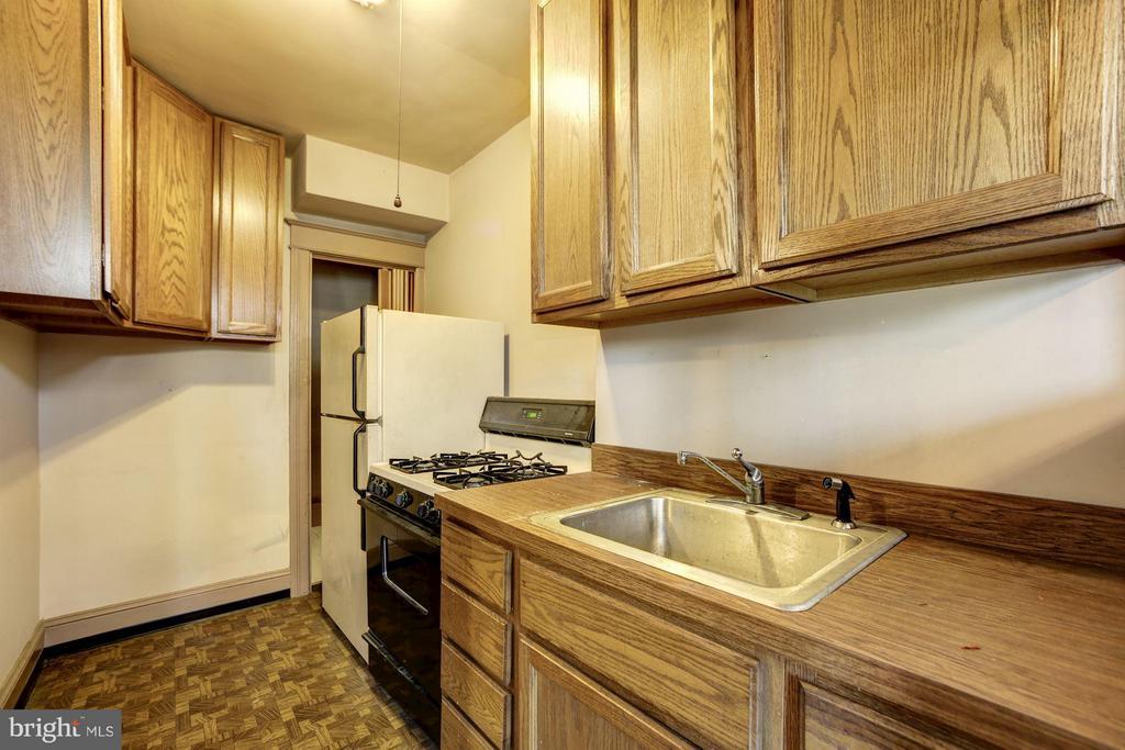 Kitchen - 334 CHANNING ST NE, WASHINGTON