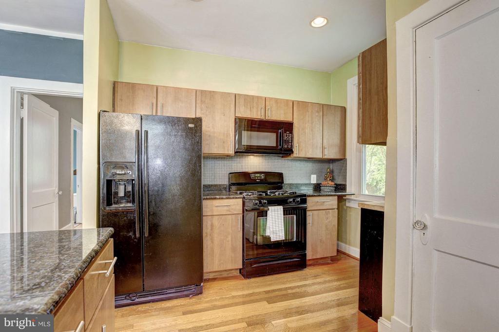 Kitchen - 2808 26TH ST NE, WASHINGTON