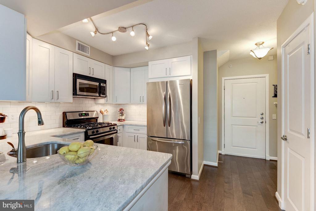 Kitchen - 1021 GARFIELD ST #907, ARLINGTON