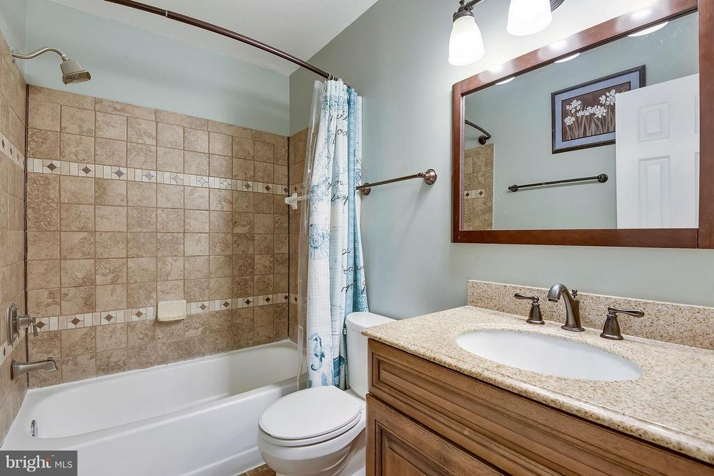 Bath (Master) - 3678 ALPEN GREEN WAY #21-228, BURTONSVILLE