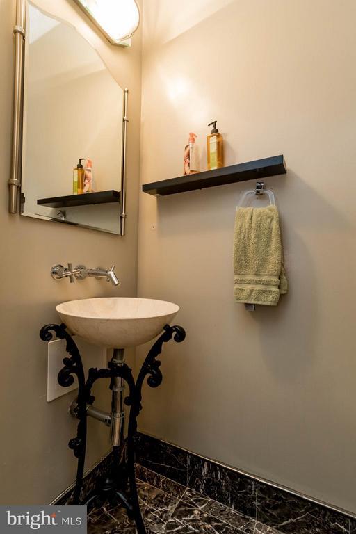 Powder Room - 6337 BURGUNDY LEAF LN, ALEXANDRIA