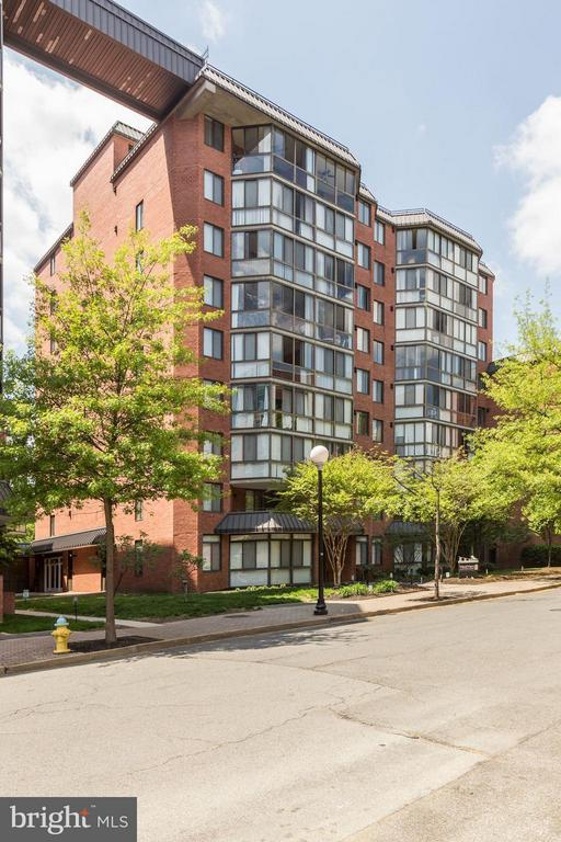WELCOME HOME! WELCOME to WESTVIEW! - 1024 UTAH ST #913, ARLINGTON