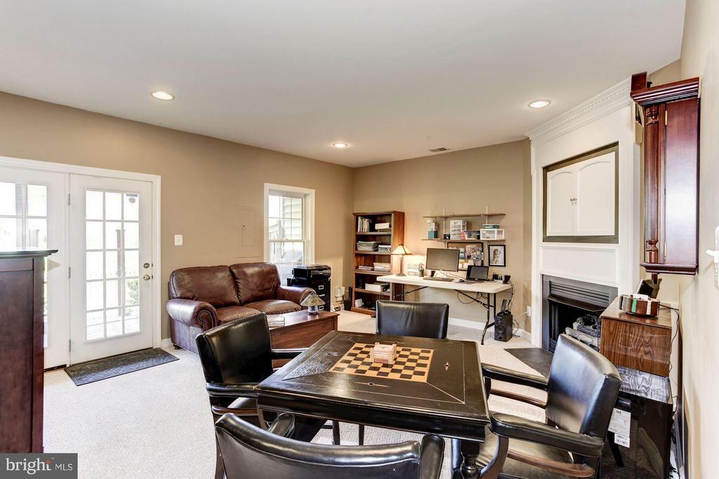 LOWER LEVEL REC ROOM - PERFECT AS A PLAY ROOM! - 4572 FAIR VALLEY DR, FAIRFAX
