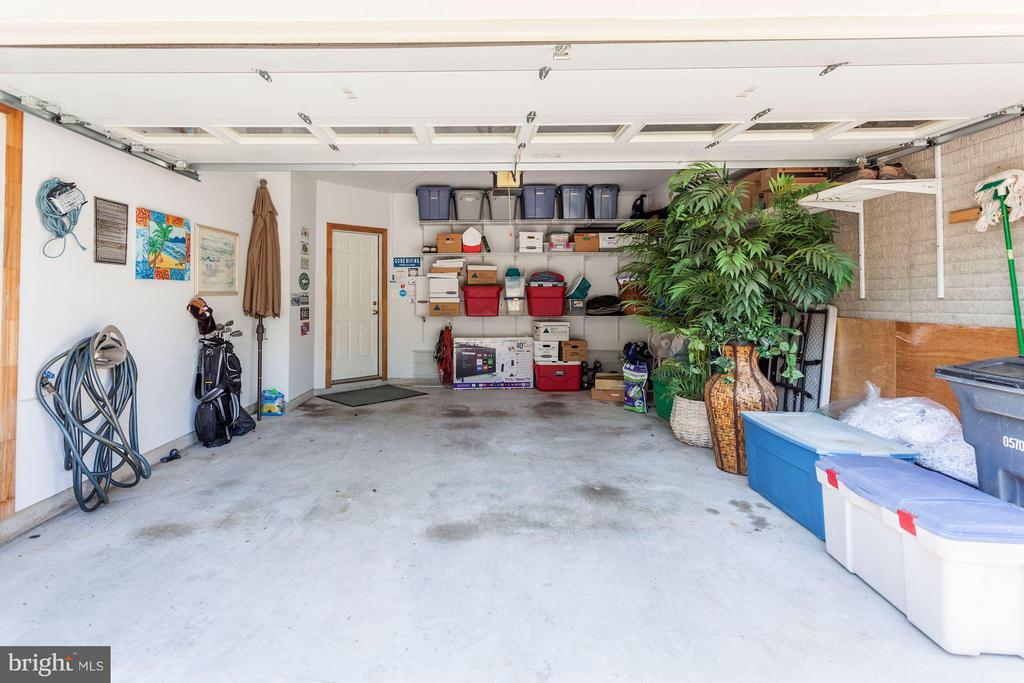 2 CAR GARAGE - STRONG SHELVING SYSTEM + STORAGE RM - 4572 FAIR VALLEY DR, FAIRFAX