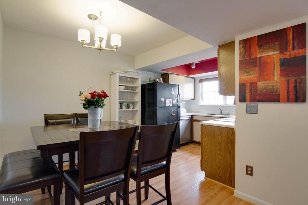 Dining Room to open kitchen - 103 PROSPERITY AVE SE #E, LEESBURG