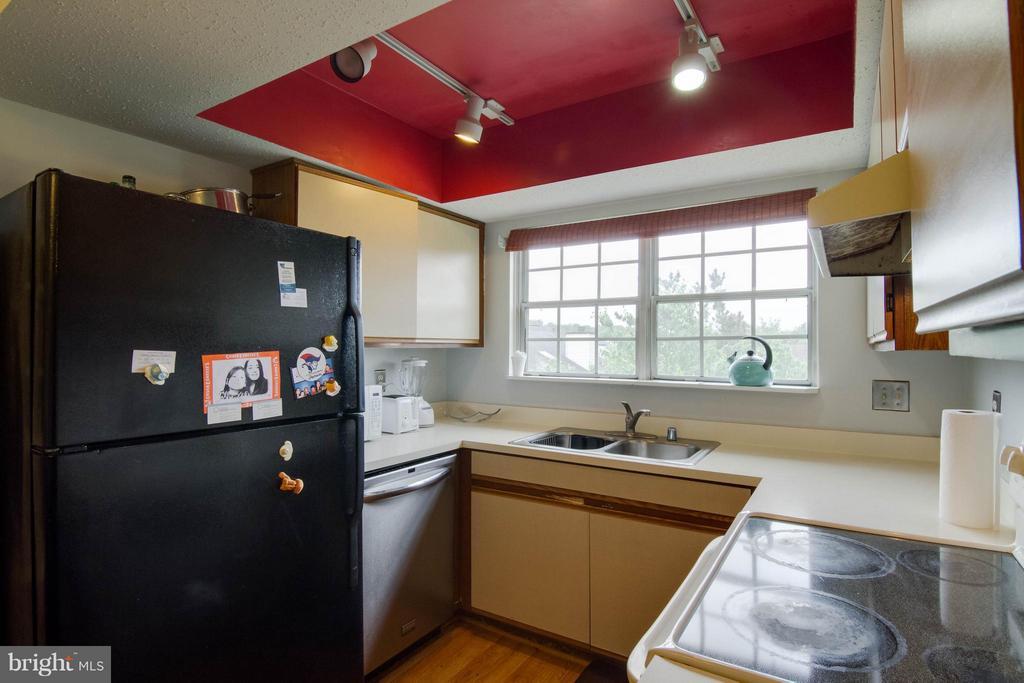 Kitchen - 103 PROSPERITY AVE SE #E, LEESBURG