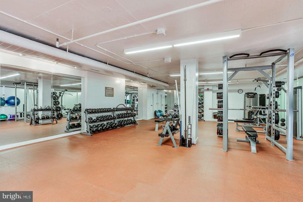 Fitness Center - 1600 OAK ST N #708, ARLINGTON