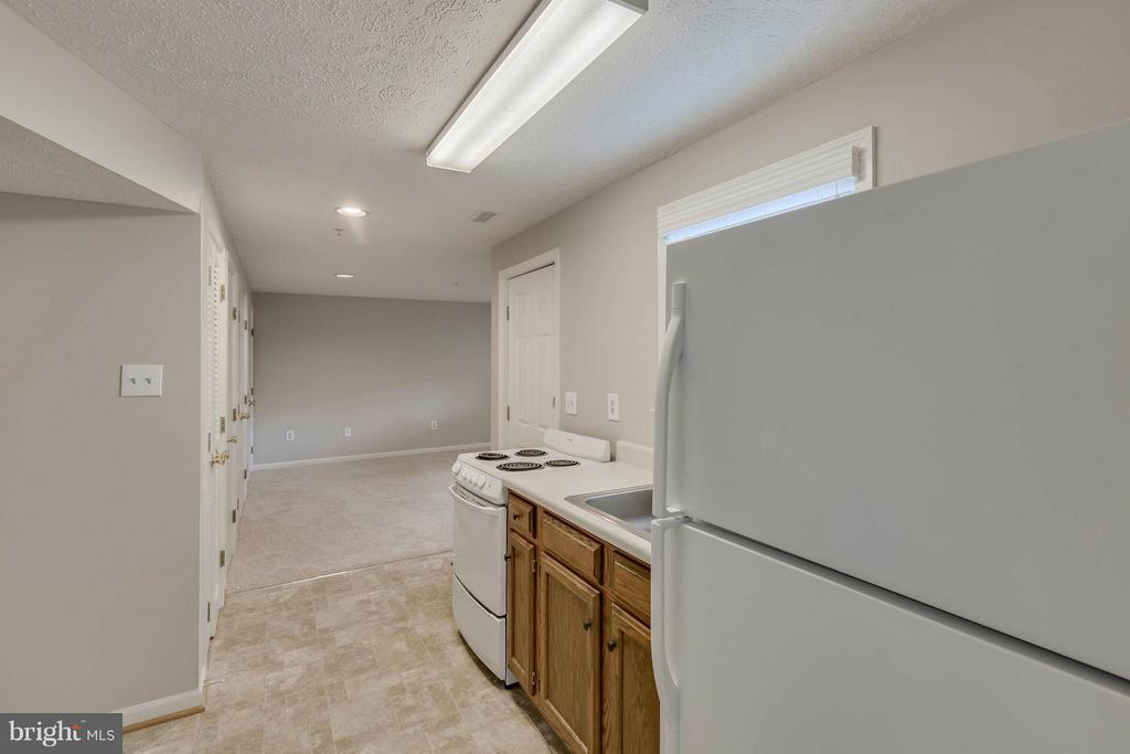 Kitchen Aux Paire - 5 WISELY SQUARE CT, GAITHERSBURG