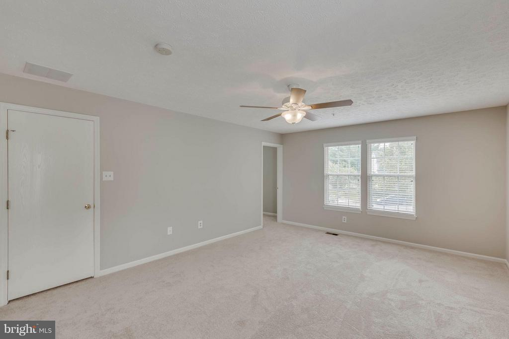 Large Mast Bedroom - 5 WISELY SQUARE CT, GAITHERSBURG