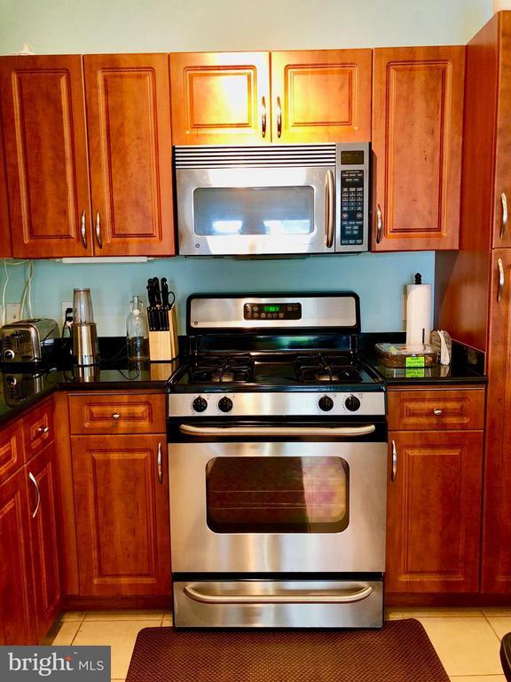 Kitchen - 12905 CENTRE PARK CIR #304, HERNDON