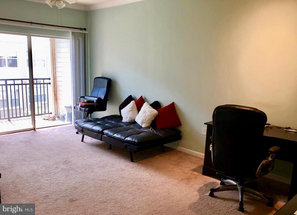 Living Room - 12905 CENTRE PARK CIR #304, HERNDON