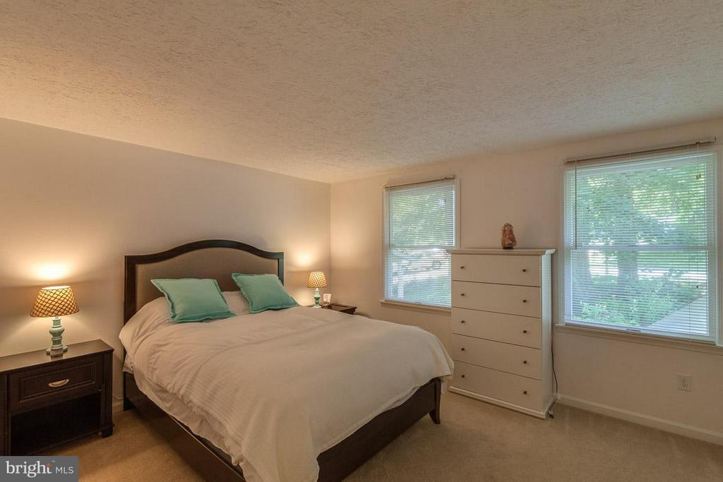 Bedroom (Master) - 568 ROCKBRIDGE DR SE, LEESBURG