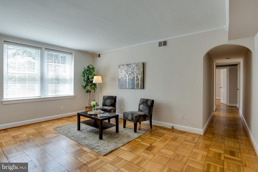 Long hall separates bedrooms from living area - 22 OLD GLEBE RD #5-D, ARLINGTON