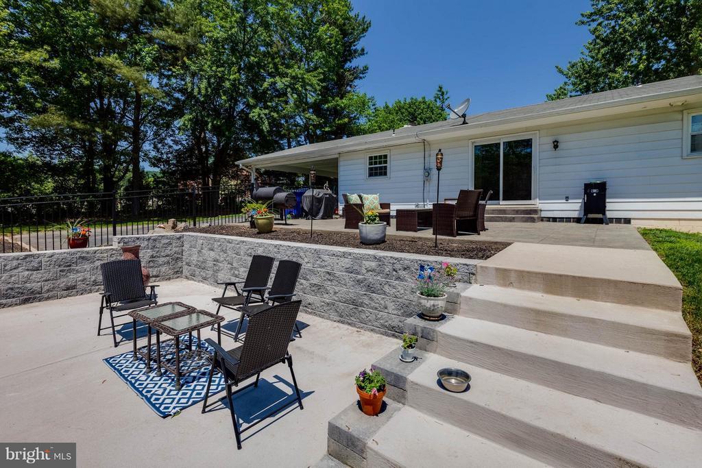 Just added concrete patio w hardscape - 5719 MOUNT PHILLIP RD, FREDERICK