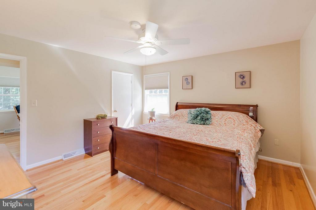 Scenic view and gleaming floors - 5719 MOUNT PHILLIP RD, FREDERICK