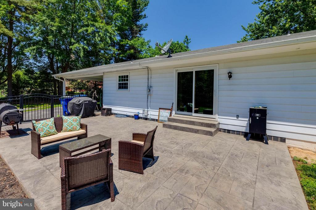 Just picture the parties! - 5719 MOUNT PHILLIP RD, FREDERICK