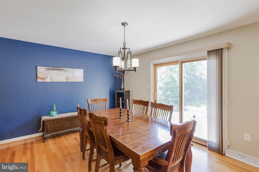 Dining Room w pella sliding door to patios - 5719 MOUNT PHILLIP RD, FREDERICK