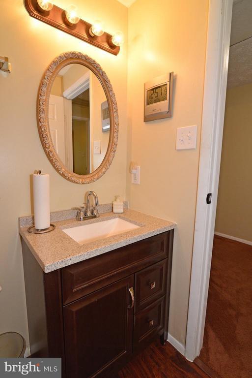 Bath - 8010 GRANDVIEW CT, SPRINGFIELD