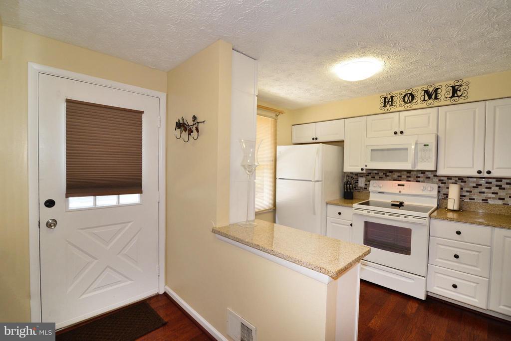 Kitchen - 8010 GRANDVIEW CT, SPRINGFIELD