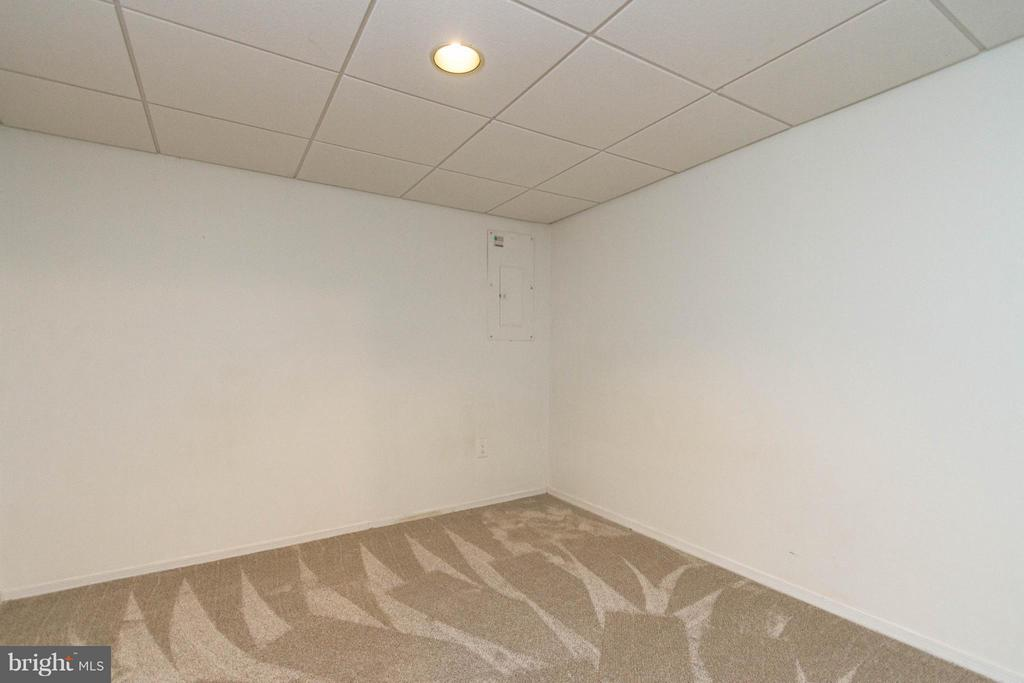 Additional Room 1 - 42 MILLARD CT, STERLING