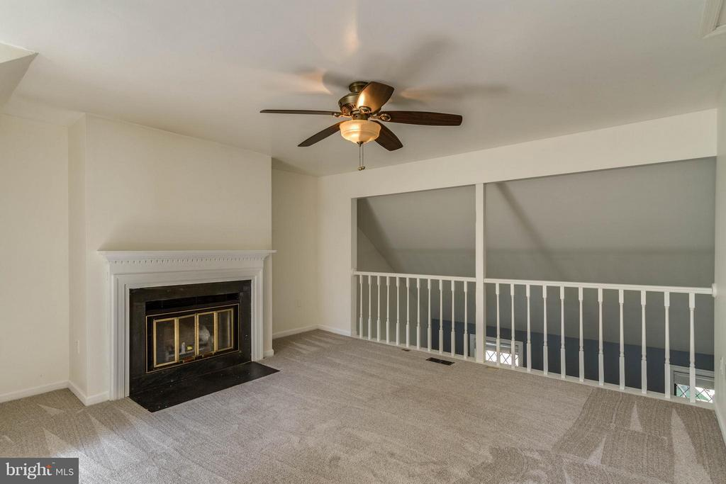 Loft with View of Fireplace - 42 MILLARD CT, STERLING