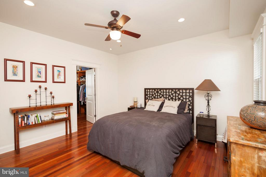 Bedroom (Master) - 23 BRADDOCK RD E #1, ALEXANDRIA