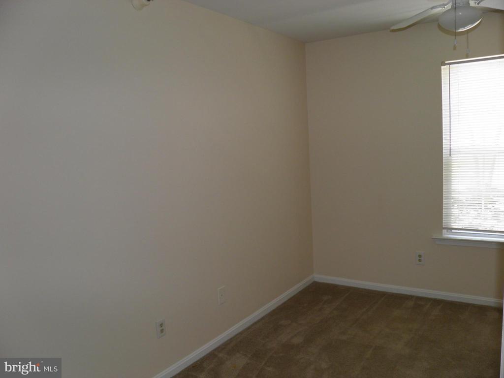 Bedroom 2 - 210 WILD OAK LN #201, STAFFORD